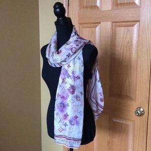💯 % authentic Louis Vuitton scarf